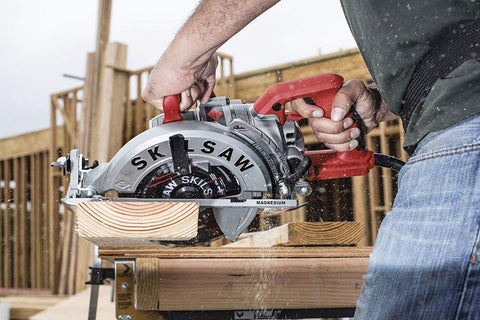 Image of Skil Lightweight Worm Drive Circular Saw
