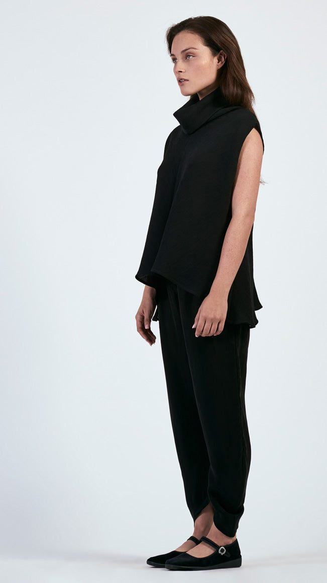 Vespertine Structured Top in Pleated Gauze