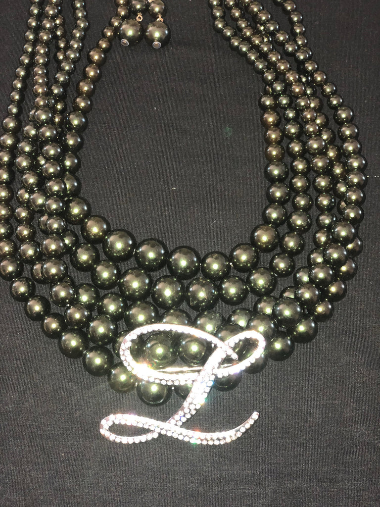 Beautiful LINKS Pearl Necklace