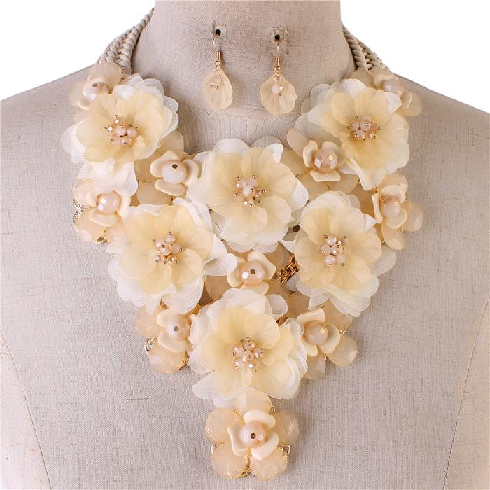 Beautiful Ivory Crystal Beads Necklace Set-High End