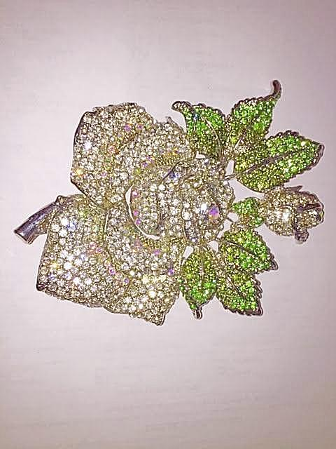"Swarvoski ""Stunning"" CRYSTAL Medium Rose BROOCH ""High End"""