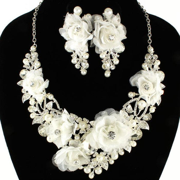 Exclusive High End White Rose Crystal Necklace Set