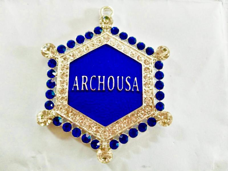 Beautiful ARCHOUSA Crystal Pendant Necklace (CLEARANCE CLOSEOUT SALE)