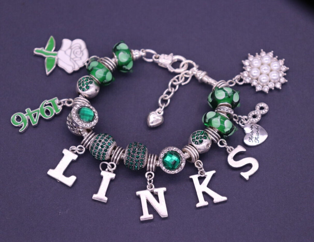 Beautiful LINKS Emerald Collection Charm Bracelet