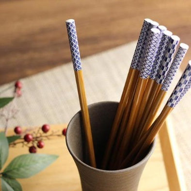 Bamboo Japanese Chopsticks with Japanese pattern Set of 5 Dishwasher Safe / スス竹5膳セット 小紋-Kitchen-Zak Zakka