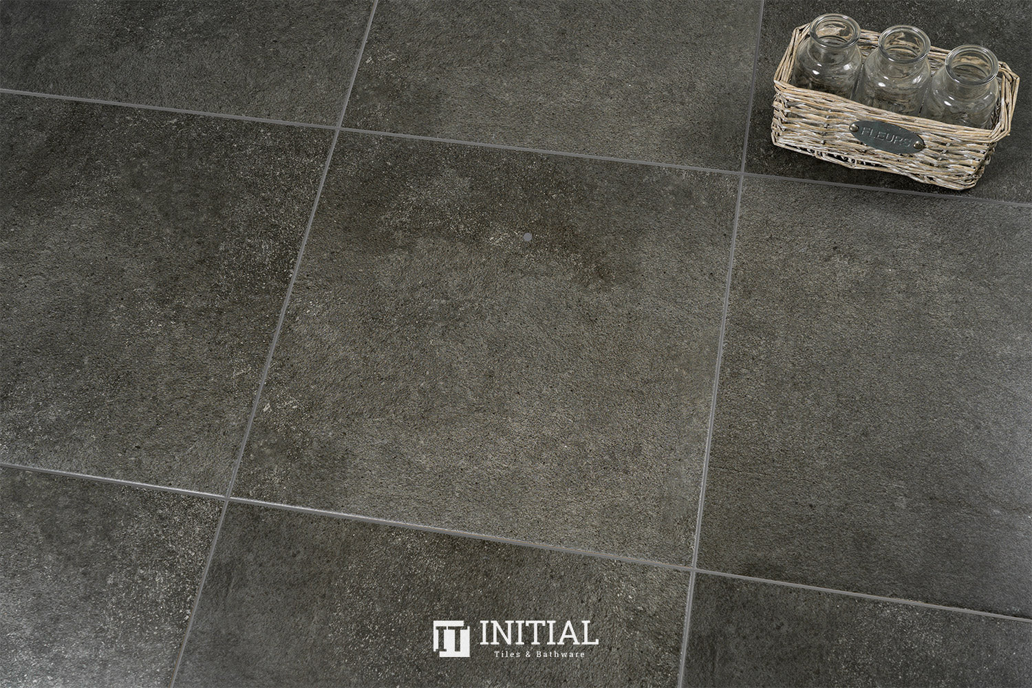 Concrete Look Tile Solid Dark Grey Matt 450X450