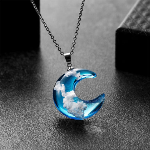 New Gradient Blue Sky White Clouds Pendant