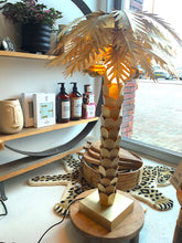 Afbeelding in Gallery-weergave laden, HKliving HKliving Palmboom Tafellamp Goud - A Lovely Day IJmuiden