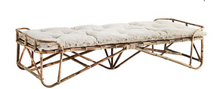 Afbeelding in Gallery-weergave laden, Madam Stoltz Madam Stoltz Daybed Bamboe Naturel - A Lovely Day IJmuiden