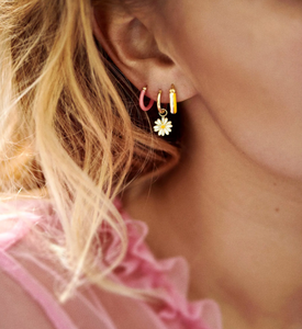 ANNA+NINA Anna+Nina daisy earring charm gold plated - A Lovely Day IJmuiden