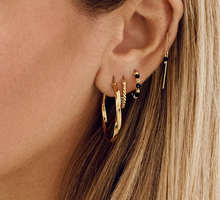 Afbeelding in Gallery-weergave laden, anna-nina-single-meteorite-drop-earring-goldplated