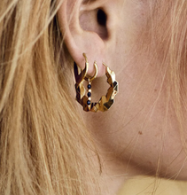 Afbeelding in Gallery-weergave laden, ANNA+NINA Oorbel Single Meteorite Ring Earring Goldplated