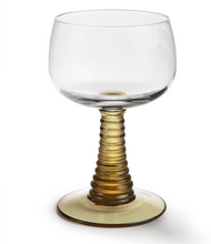 Afbeelding in Gallery-weergave laden, HKliving Swirl Wine Glass Green