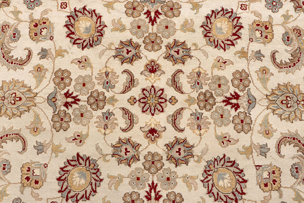 Blanched Almond Mahal 7' 10 x 8' 2 - No. 67571 - ALRUG Rug Store