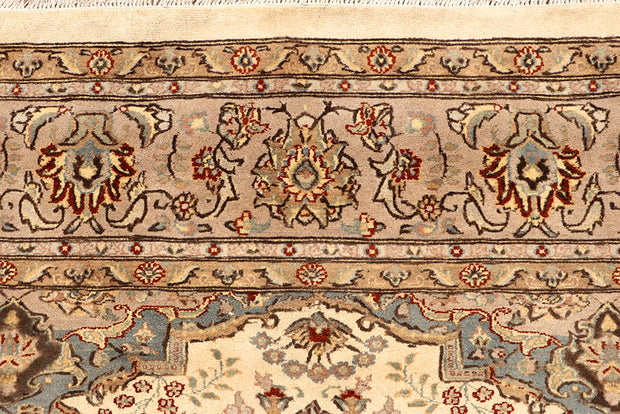 Blanched Almond Isfahan 6' 8 x 9' 9 - No. 68414 - ALRUG Rug Store