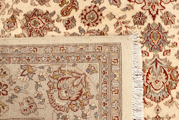 Blanched Almond Isfahan 6' 7 x 9' 9 - No. 68450 - ALRUG Rug Store