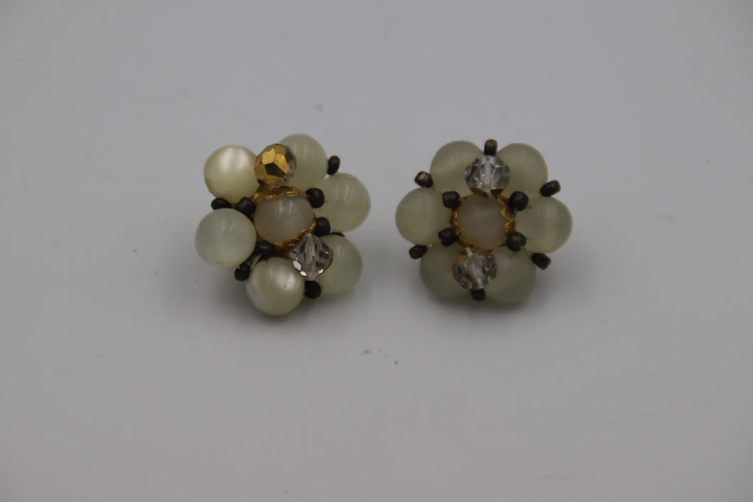 White Bead Cluster