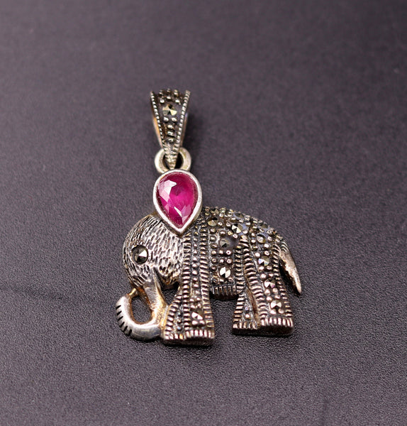 925 sterling silver handmade gorgeous Elephant pendant awesome unisex daily use jewelry from Rajasthan India nsp40 nsp40