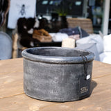 Still Planter Black Vintage - Valeur home Decoration