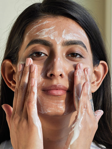 How To Choose The Cleanser For Acne Prone Skin