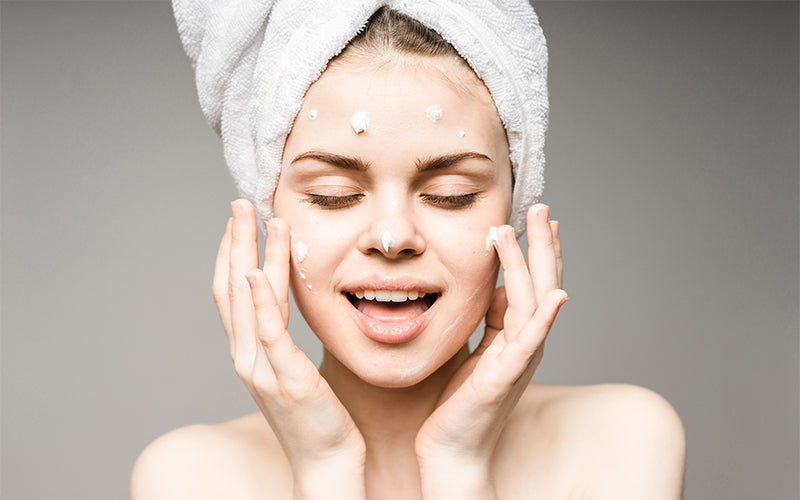 Humectants In Skin Care Products: The Complete Guide