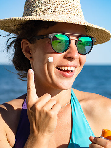 Top 7 reasons why you should use sunscreen