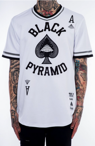 Black Pyramid On Deck White