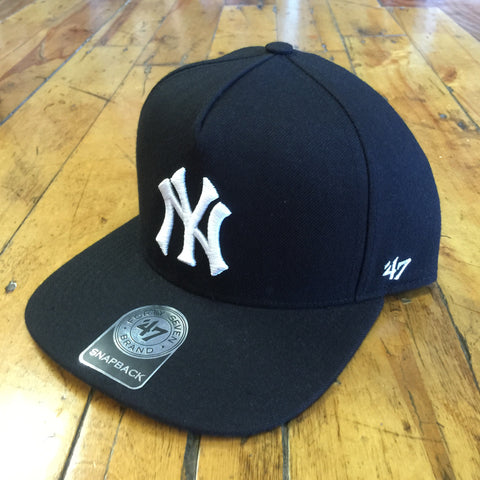 '47 Brand New York Yankees Sure Shot SnapBack (Black)