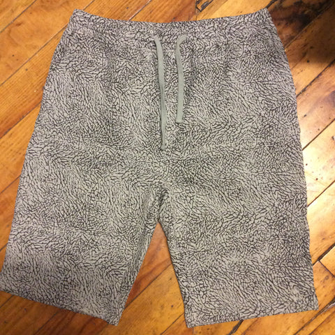 Double needle shorts elephant