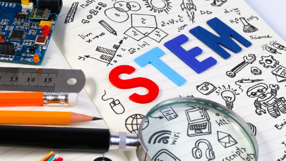 What is the difference between STEM vs STEAM?