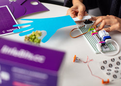 littleBits Educator Starter Kit hand raiser activity.