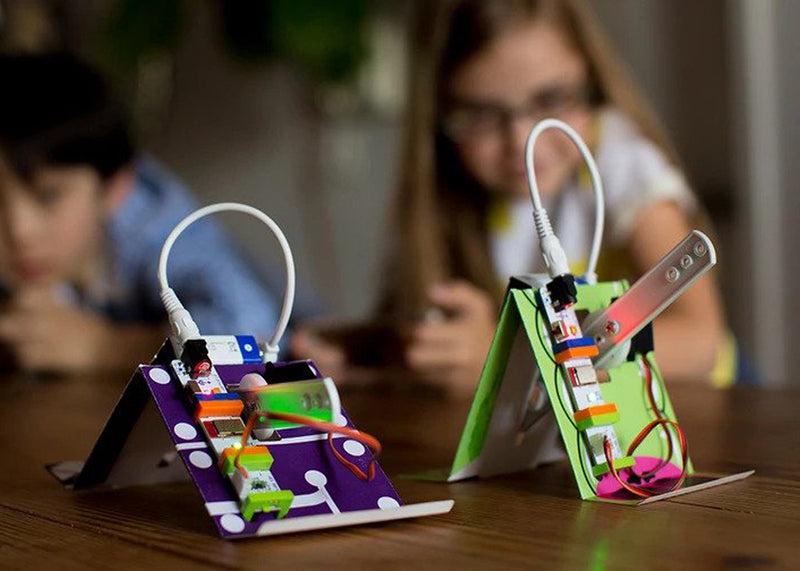 Children playing with littleBits Crawly Creature Hall of Fame Starter Kit invention together.