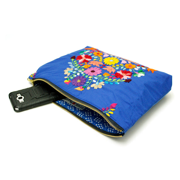 Embroidered clutch in blue