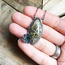 Load image into Gallery viewer, Tribal Glass + Succulent Pendant