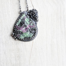 Load image into Gallery viewer, Druzy + Botanical Pendant
