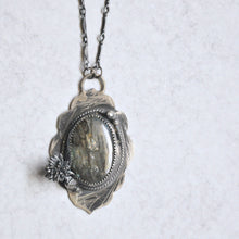 Load image into Gallery viewer, Labradorite Scroll Pendant