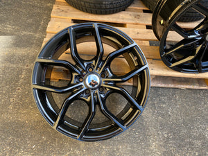 "18"" RS Style alloy wheels gloss black fits Ford Focus Mondeo Connect Kuga 5x108"