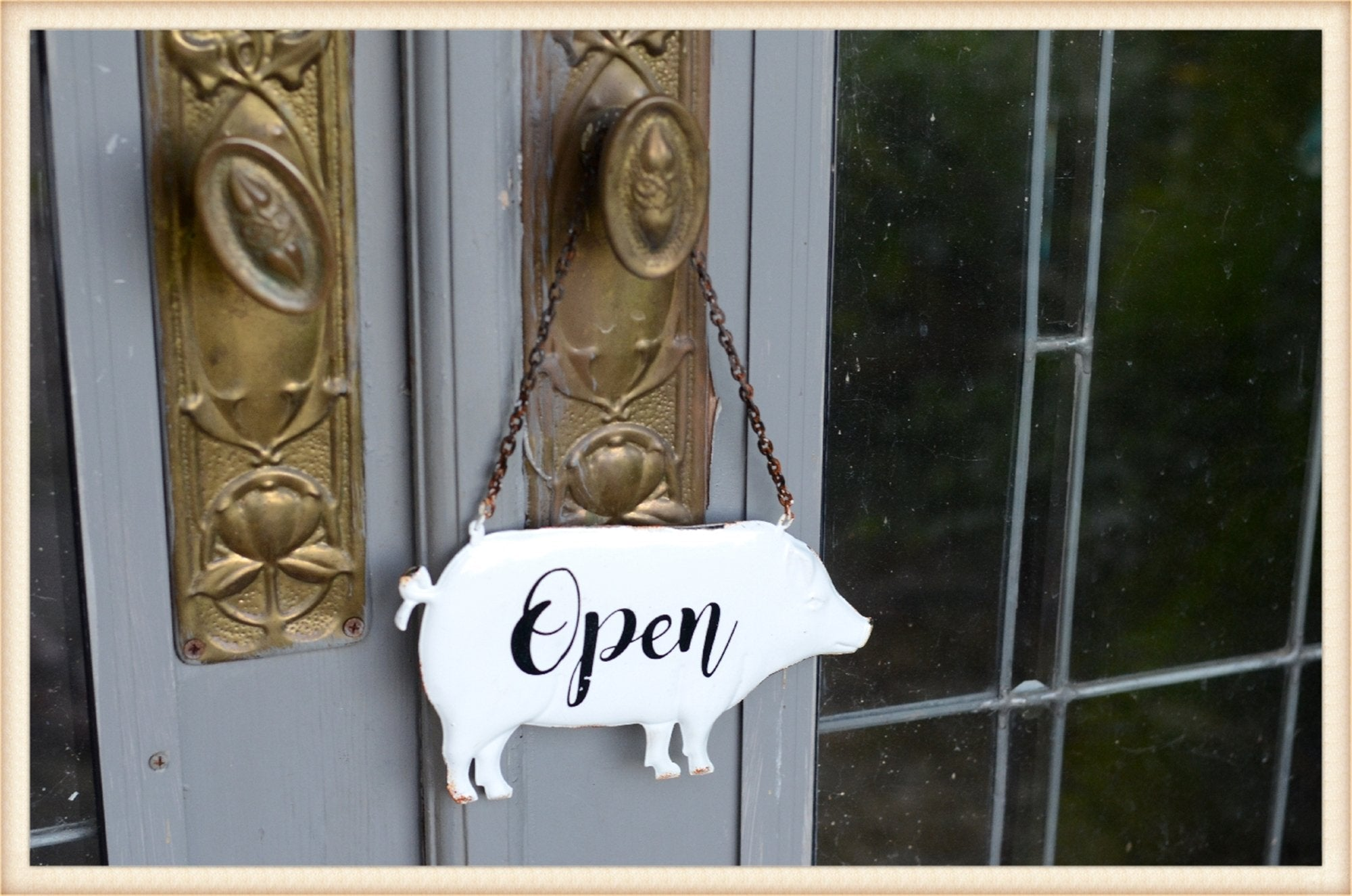 Enamel Pig Open/Closed Sign