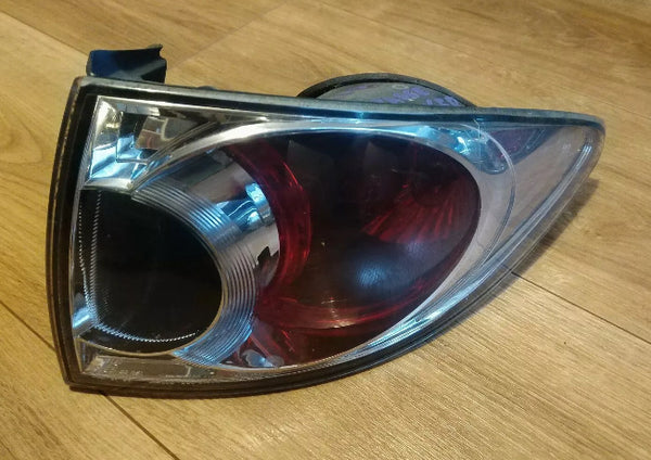 Mazda 6 rear tail light unit to body seal 5 door