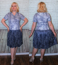 Load image into Gallery viewer, 70s Drop waist navy and white 20s style Short Sleeves Theater Costume Gatsby size large