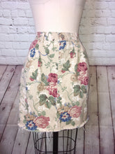 Load image into Gallery viewer, 80s 90s Floral Denim Skirt High waist Pleated front Pockets cropped raw hem size 12 waist 31
