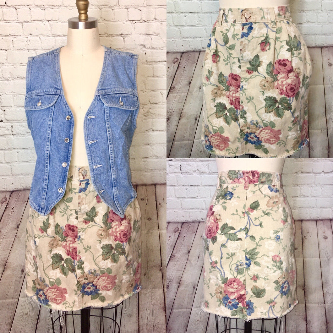 80s 90s Floral Denim Skirt High waist Pleated front Pockets cropped raw hem size 12 waist 31