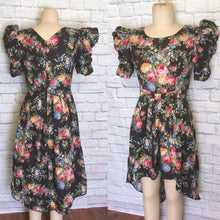 Load image into Gallery viewer, 80s cotton floral Rose Print Hi Low Skirt Black Pink Puffed Short Sleeves size large 12 Plus waist 32