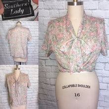 Load image into Gallery viewer, 80s Peach Mint Floral Tie Bow Collar Button Down Spring Summer Blouse Plus size