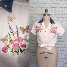 Load image into Gallery viewer, 90s Western Floral White and denim shirt embroidered short Sleeve button front loose fit oversized size Large