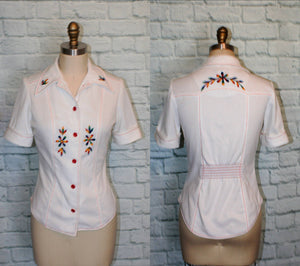 Floral Embroidered Blouse Top Disco collar Short sleeve Floral Embroidered Shirt Size Small Medium