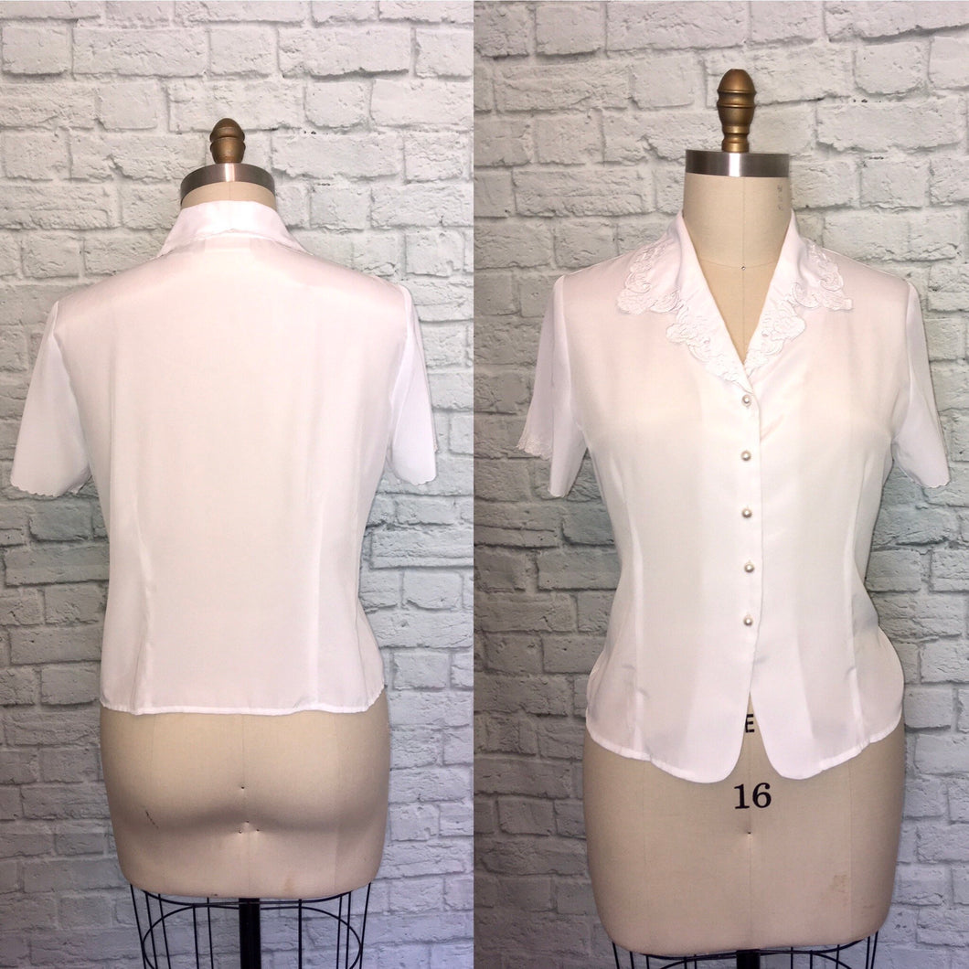 90s does 40s white Embroidered Button down shirt top size 14 Embroidered Short Sleeves  Blouse