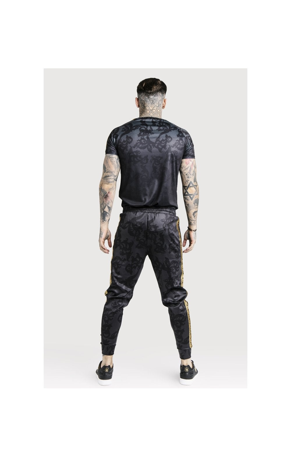 Load image into Gallery viewer, SikSilk x Dani Alves Taped Gym Tee - Black (4)