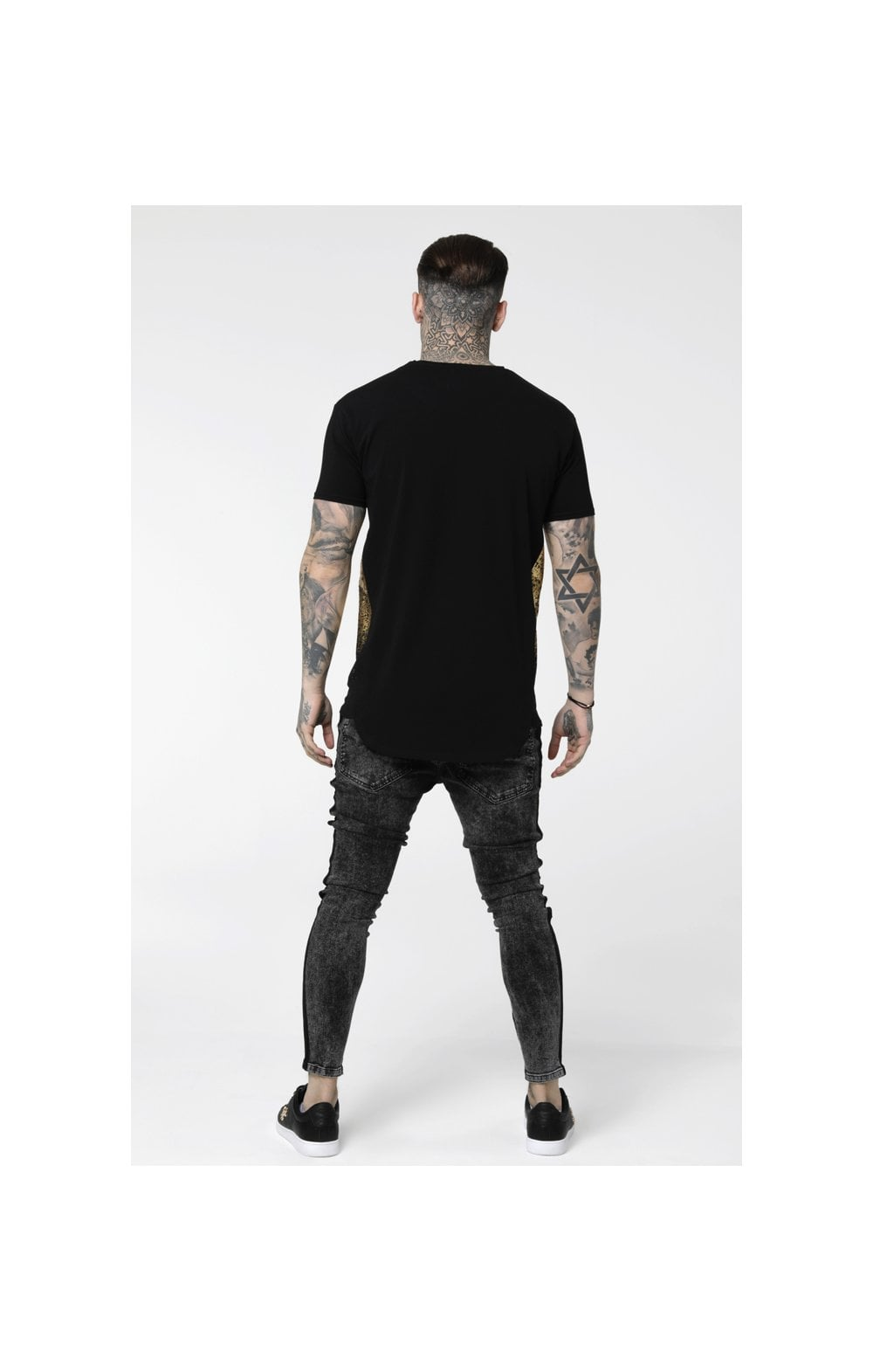 Load image into Gallery viewer, SikSilk S/S Foil Fade Panel Tee - Black & Gold (4)
