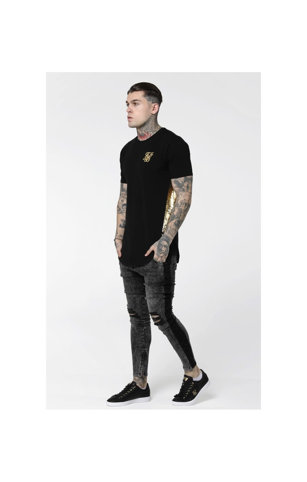 Load image into Gallery viewer, SikSilk S/S Foil Fade Panel Tee - Black & Gold (5)